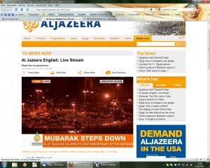 "AlJazeera zeigt die hundert-tausende starke Menschenmenge, die jubelt. ""MUBARAK STEPPED DOWN"""